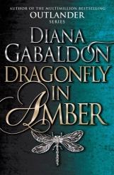 Dragonfly in Amber di Diana Galbadon