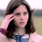 felicity-jones-in-the-theory-of-everything-movie-4